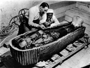 Археологи обследуют саркофаг Тутанхамона