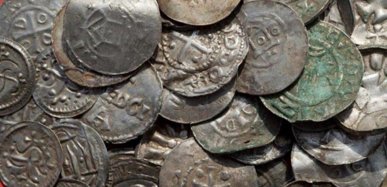Археологи обнаружили клад эпохи Харальда Синезубого