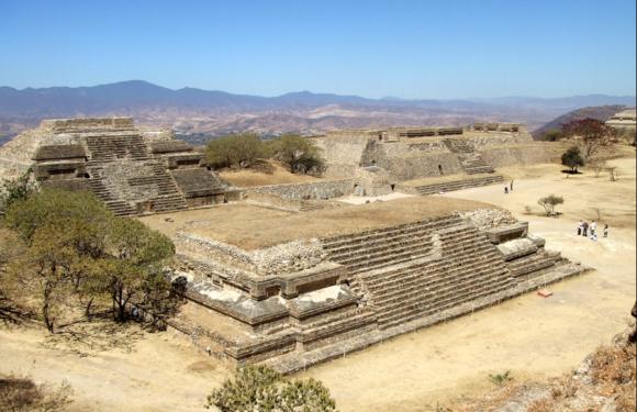 Сокровища сапотеков и гробницы Монте-Альбана