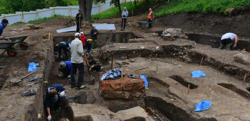В Нижегородском Кремле найден древний некрополь