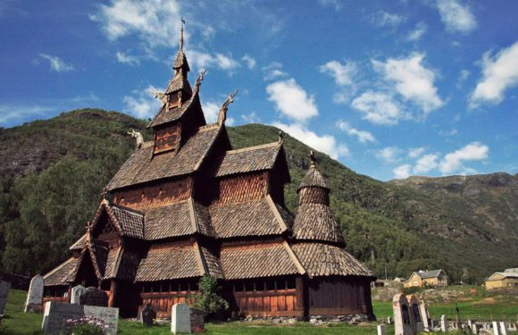 Под половицами древних скандинавских церквей найдено более 100 тыс средневековых монет
