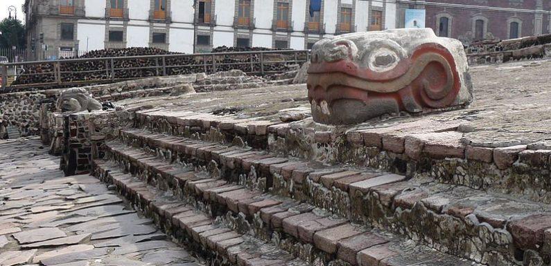В Мексике найден жертвенник ацтеков с ритуальными артефактами