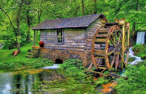 Старая мельница крутится, вертится…