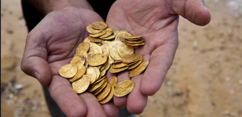 Немецкие кладоискатели нашли гору старинных монет, но остались ни с чем