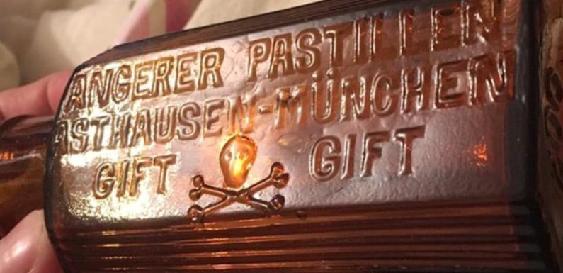 Житель Калининграда нашел старинную бутылку с ядовитыми сладостями
