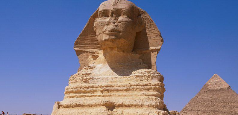 В Египте под лапами Сфинкса обнаружен тайный ход