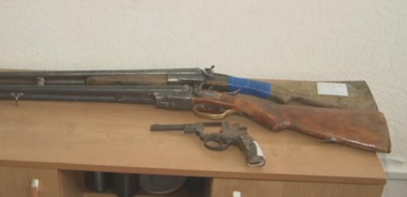 Жительница Петропавловска обнаружила мешок с раритетным оружием