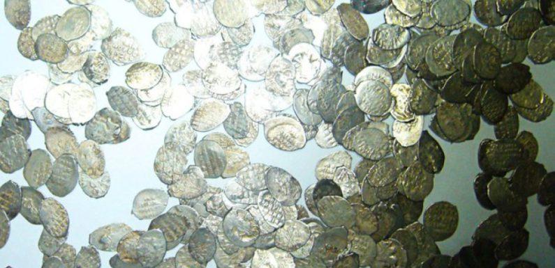 Под Владимиром найден древний клад монет XV века