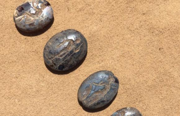 В Астраханской области найдено захоронение ребенка с древними артефактами