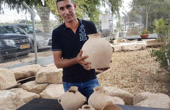 В Израиле электрик нашел древний клад по дороге на работу