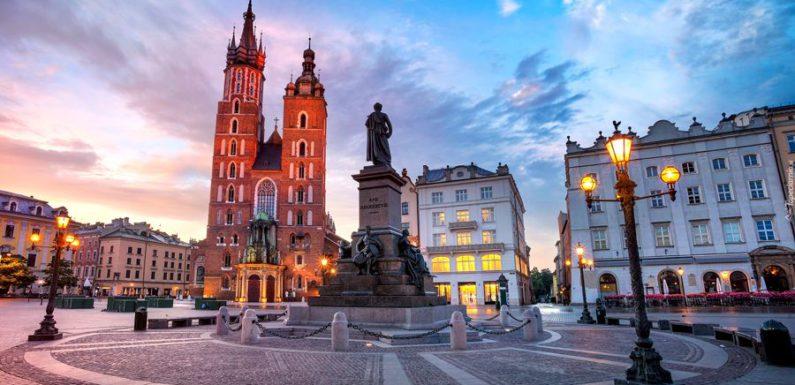 В Кракове строители нашли клад с 10 000 старинных монет