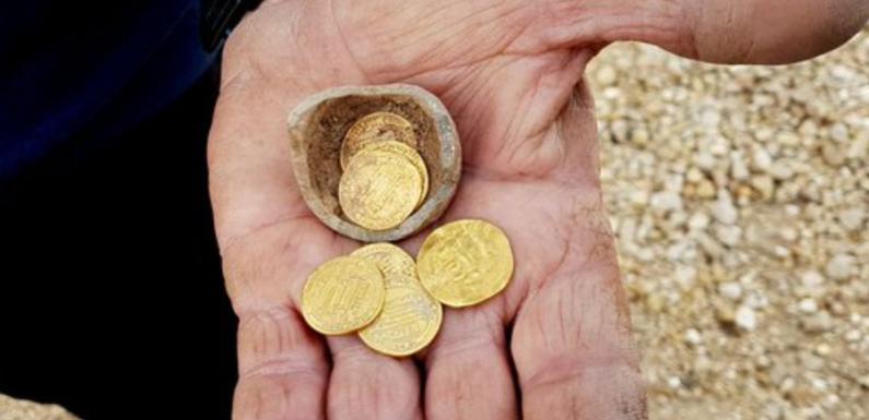 В Израиле нашли клад с монетами VIII-IX веков