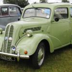 Британец откопал в своем дворе автомобиль Ford Popular