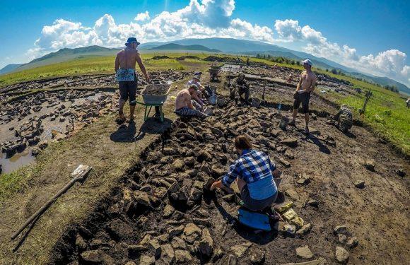 В Тувинском кургане найдены каменные стелы, аналогов которым нет
