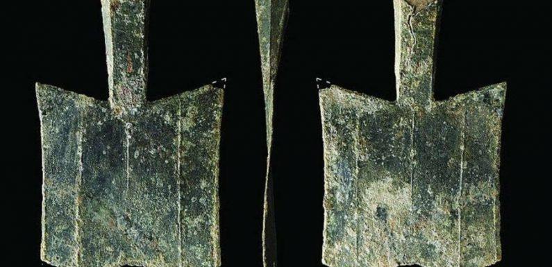 В Китае найдены древнейшие монеты в форме лопаток